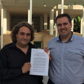 C's Punta Umbría registra el pacto anticorrupción en el ayuntamiento de la localidad costera