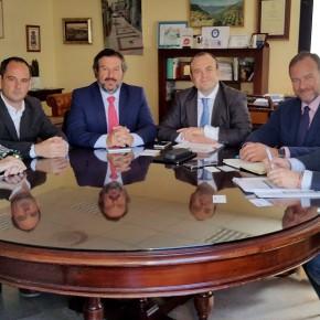 Ciudadanos expone a la FOE su posición respecto a las infraestructuras de la provincia de Huelva
