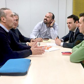 Ciudadanos Aljaraque recoge las demandas de la asociación 'Casas Nuevas' de Corrales