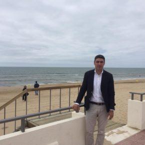 Andrés Aguilera (Cs) responsabiliza al Ayuntamiento de Isla Cristina de la pérdida de las tres banderas azules de sus playas
