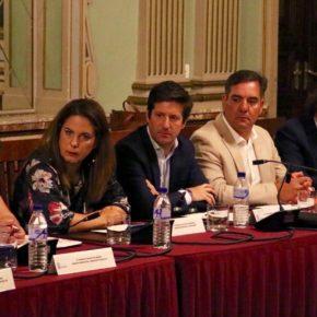 """García de Longoria: """"El alcalde ha descongelado al equipo de Gobierno pero ha congelado a la oposición"""""""