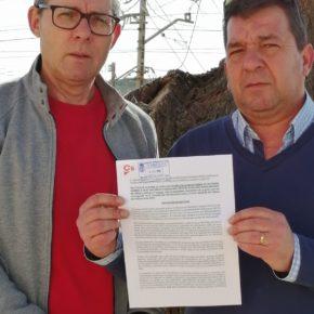 Cs Niebla exige que el Ayuntamiento sustituya el suelo de los parques infantiles y proceda a su cerramiento por la seguridad de los menores