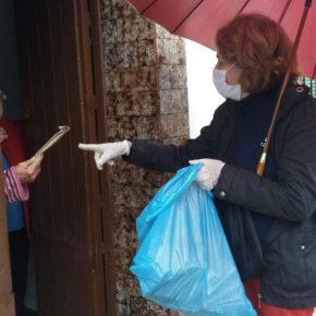 El Ayuntamiento de Rosal de la Frontera reparte mascarillas puerta a puerta entre todos los vecinos